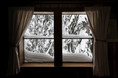 Snowy-Window-e1262198435350
