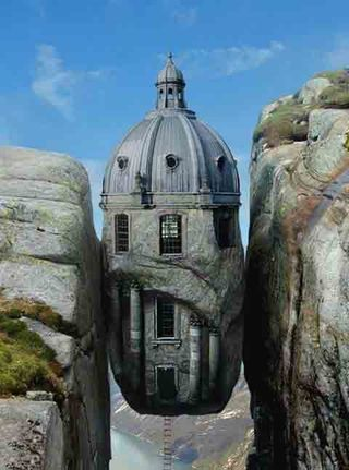 Houses-In-Odd-Places-4
